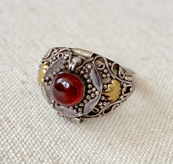 Sterling Silver Poison Ring Vintage Antique Fine Ornate Filagree Secret Locket Compartment Gemstone Brass Statement Rings Size 8