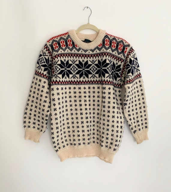 Norwegian Fair Isle Sweater Natural White Red Nay Snowflake Knit Ski Sweater Vintage 70s Dale of Norway