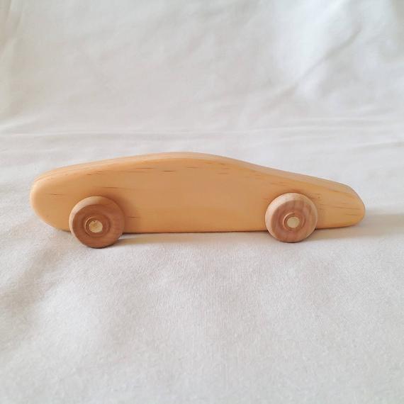 Jouet en bois voiture de course, jouet d'enfant fait à la main avec une finition de qualité tous les aliments naturels