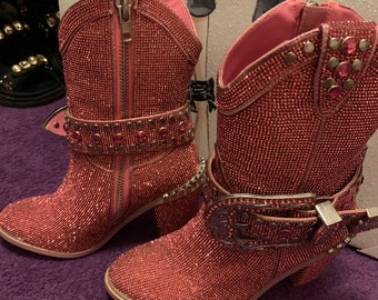 Boots n Bling Sz M