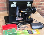 Singer 222k Featherweight Free Arm Portable Sewing Machine - 1955 with attachments, Vintage father 39 s Gift, Quilting Machine