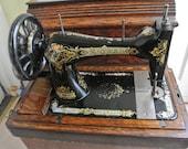 Antique Singer 28K Victorian decals Hand crank sewing machine With Coffin like Case(1905)