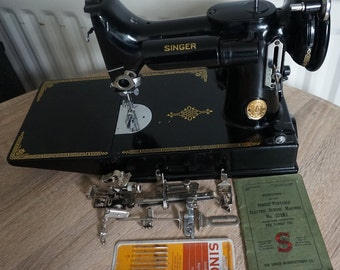 Vintage Singer 221K (1951) Featherweight Sewing Machine with attachments c04bb24b898e