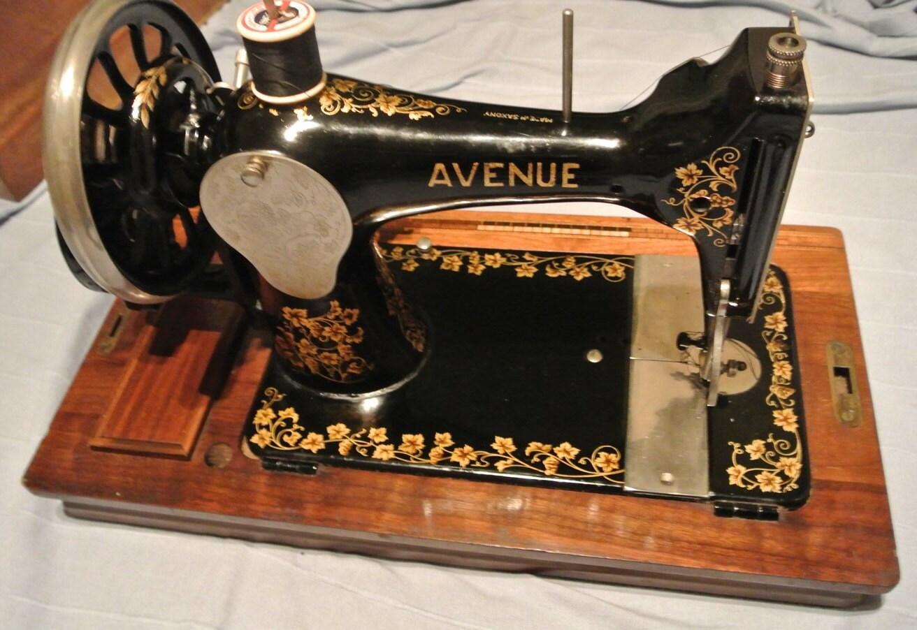 Vintage Avenue Sewing Machine antique home decor Antique ...