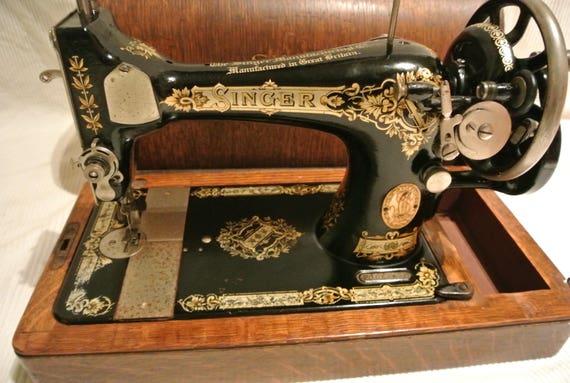 Singer 40K Hand Crank Vintage Sewing Machine With Victorian Etsy Extraordinary Vintage Hand Crank Sewing Machine