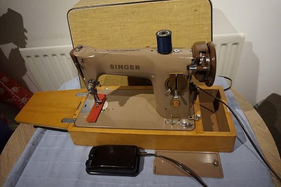 Older machines models sewing singer Antique and