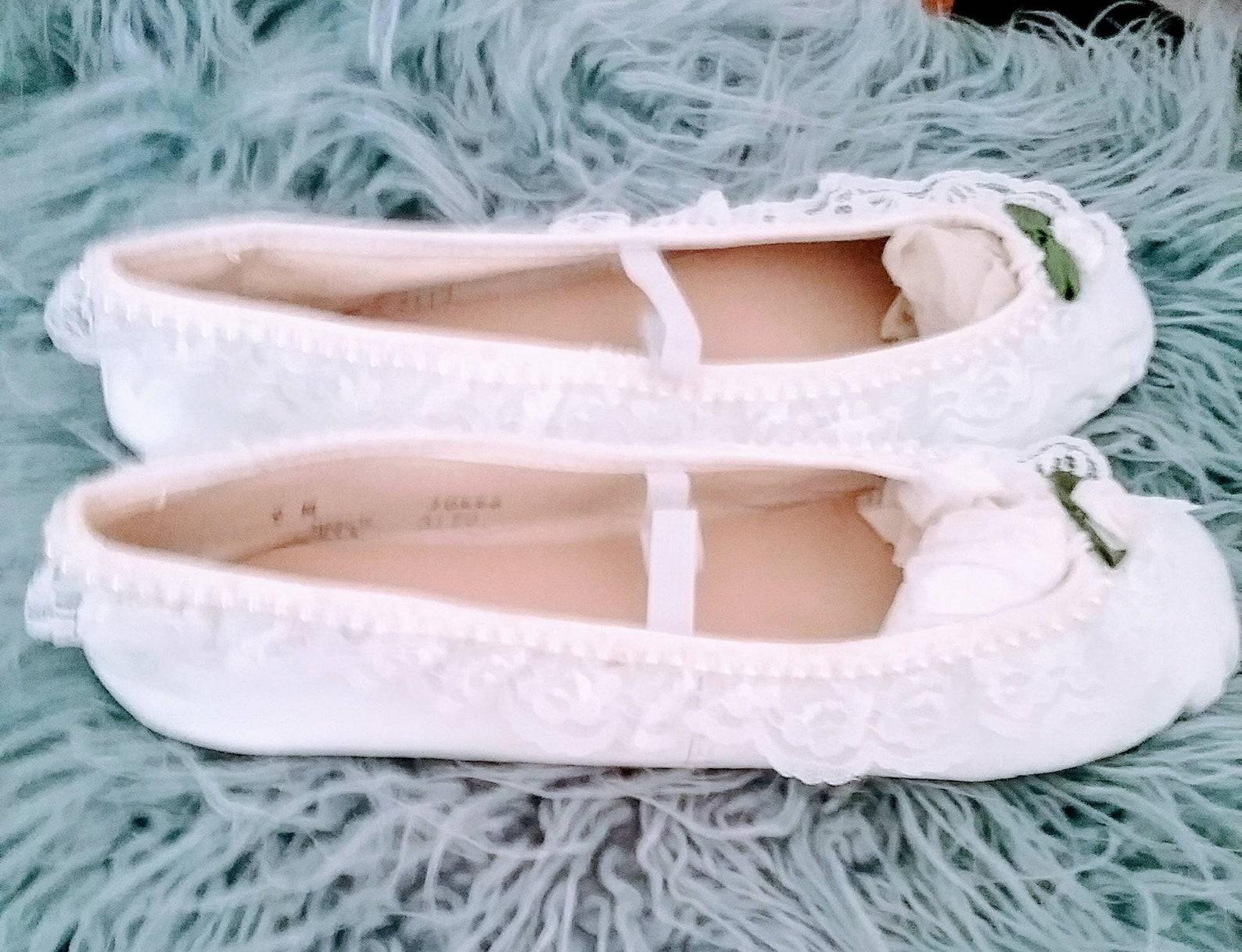 st demilo design white leather ballet slippers pearl, lace floret trim size 9 new unworn
