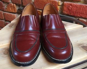 "Vintage Auburn Red Men's Dress Shoes with Slight Heel 8"" Length 1337"