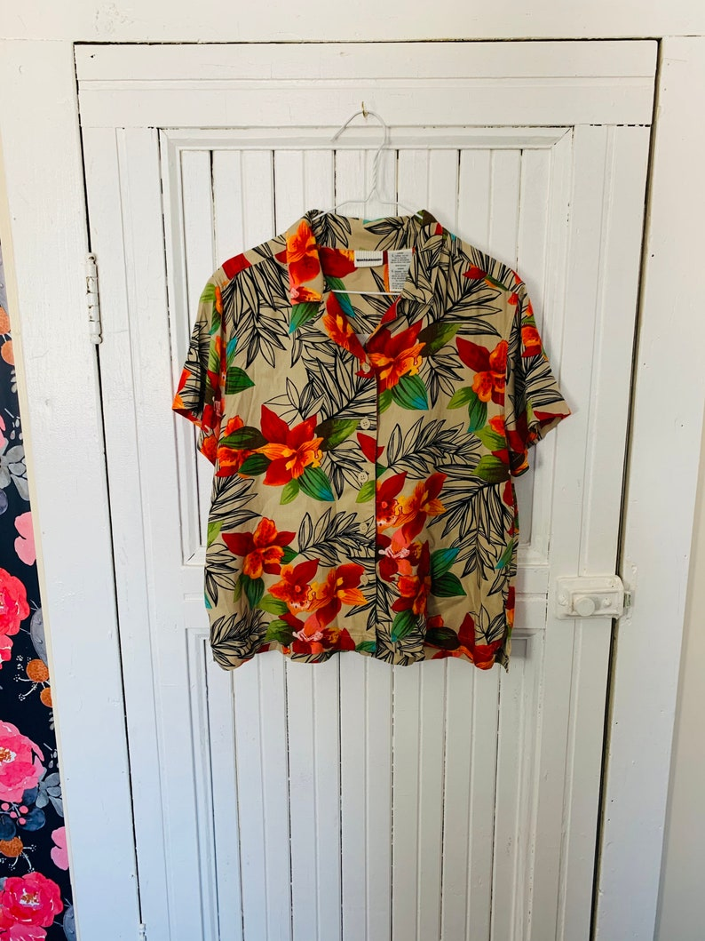 Fantastic Party Shirt by White Stag womens large tan orange yellow flower collared short sleeve button up oxford top tunic floral all over