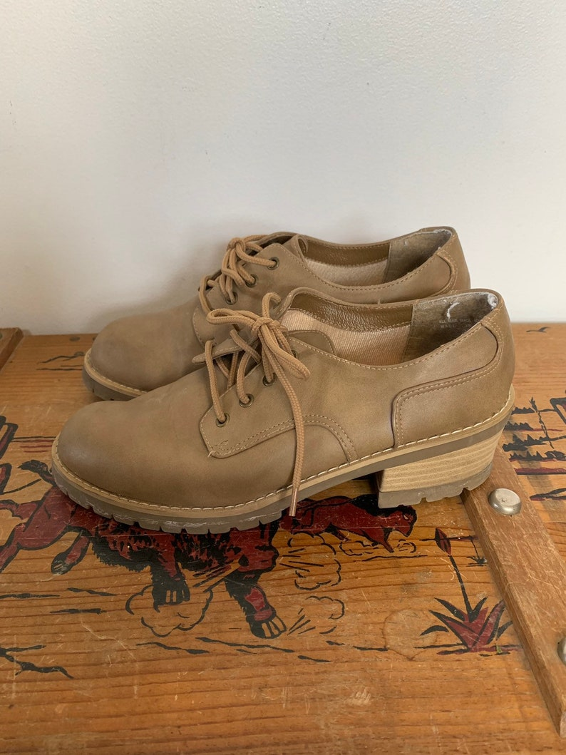 ebf12a8c767bf Original Rugged Outback chunky tan shoes womens 9.5 nine half brown oxford  40 boots 90s grunge loafers stacked heel mall goth rave norm
