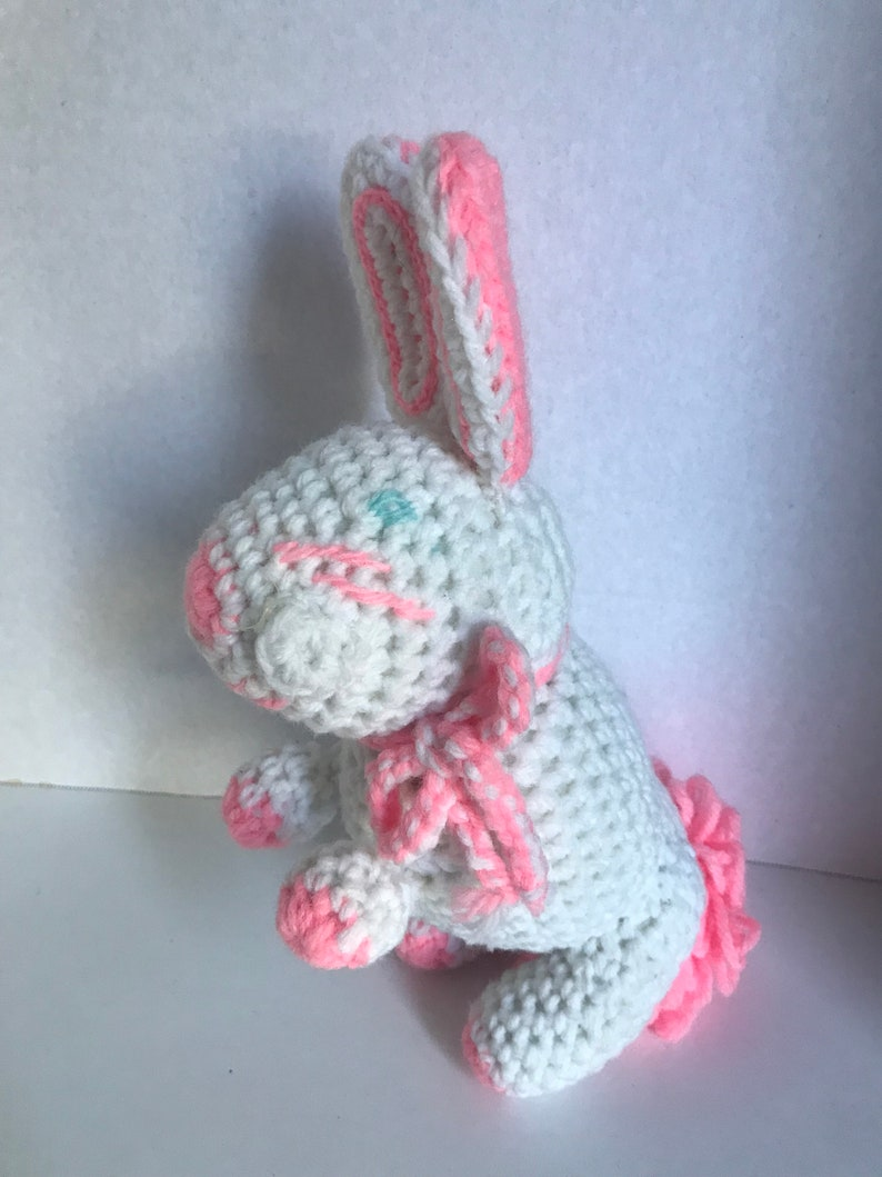 So Cute~ Excellent Condition!! Vintage Handmade Crocheted Easter Bunny Adorable