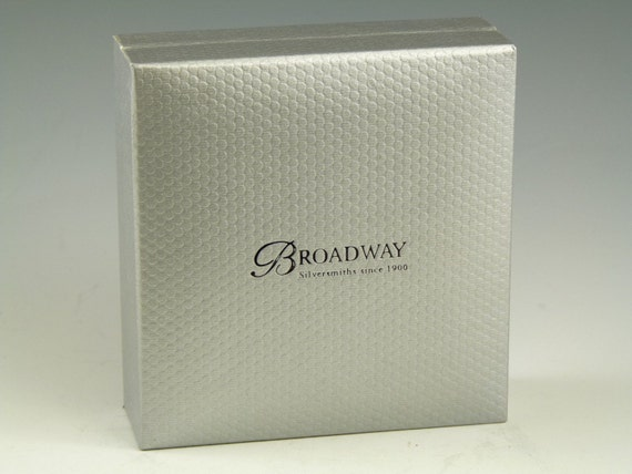 GIN Boxed NEW Grapes DECANTER // Wine Label Sterling Silver