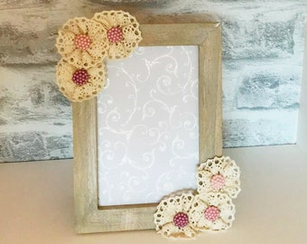 Shabby Chic Photo Frame, decorated with lace flowers, 6x4 inches