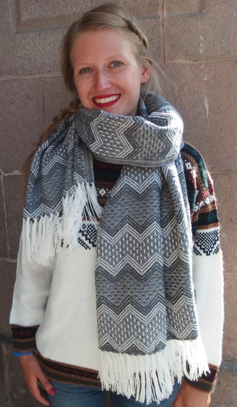 997bfc4a7f6ecb Inka Schal aus Alpaka Wolle gestrickt 145x54cm Schwarz | Etsy