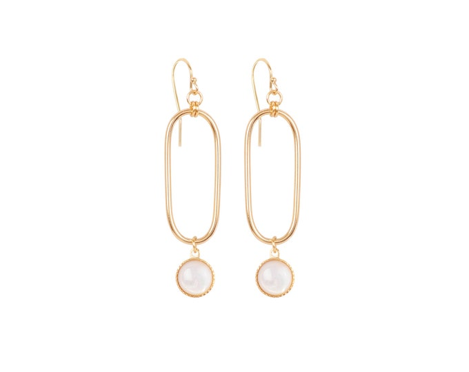 EMMA small golden earrings : rectangles and cabochons in mother of pearl - by Intuitu Paris