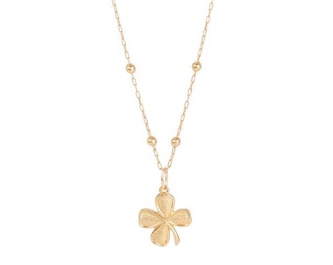 Golde clover necklace on a beaded chain - Bijoux Intuitu Paris
