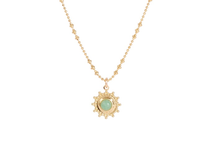Necklace gilded with fine gold in ball chaine with pendant adorned with a aventurine cabochon