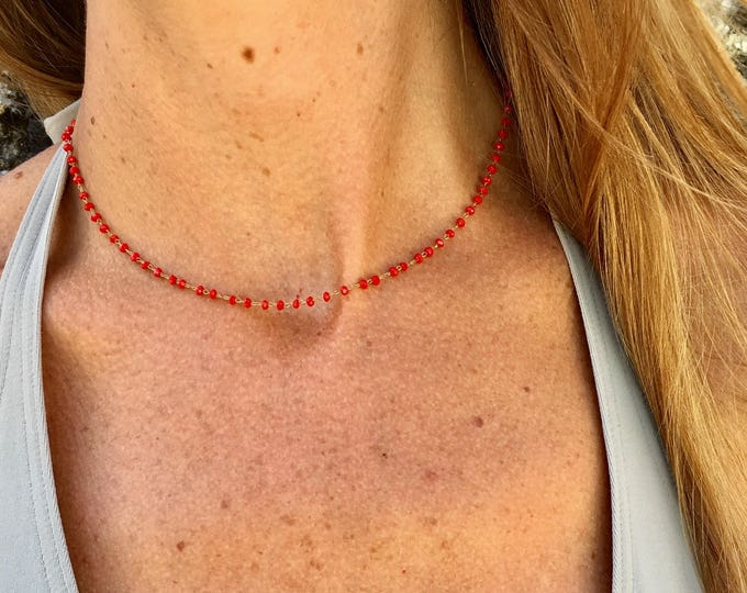 Red beaded chain neck collar