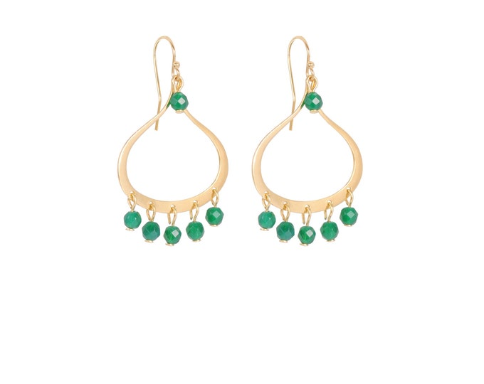 Dangling earrings with green tassels gilded with fine gold