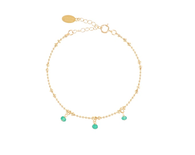 Gilded bracelet with fine gold in ball chain with 3 green onyx pearls