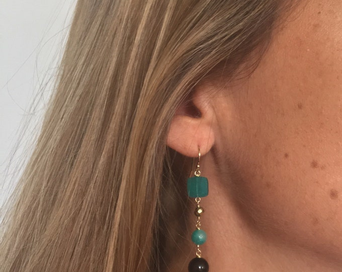Long earrings green and black semi precious stones and chains Golden and bronze antique - a Paris