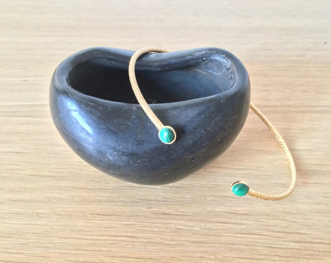 Ariane bracelet : golden engraved bangle with stone cabochons at the ends - Intuitu Paris