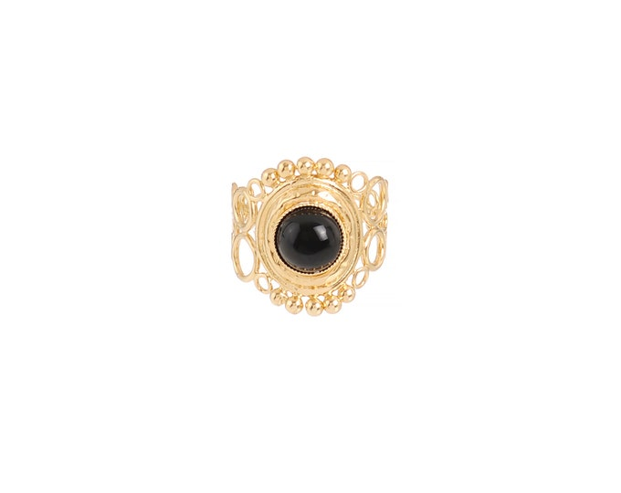 INDIA ring with openwork scrolls black agate