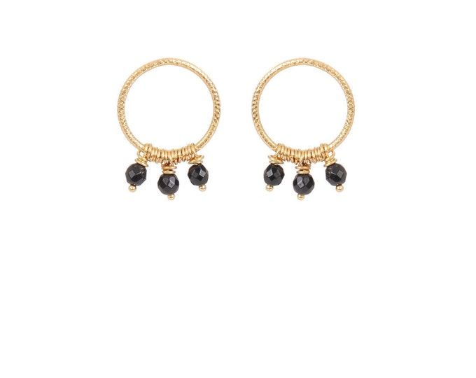 Hoop earrings engraved with 3 black agate earls