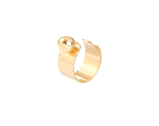 Golden JULIETTE ring with a balanced ball - Intuitu Paris