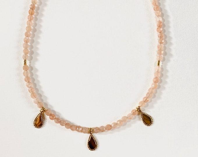 INDIRA orange moonstone choker necklace with gold tassels - Intuitu Paris