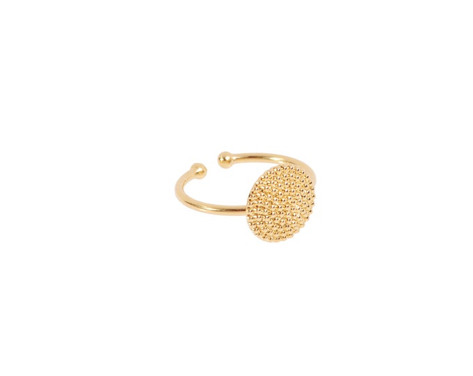 Sun fine gold ring with round medal