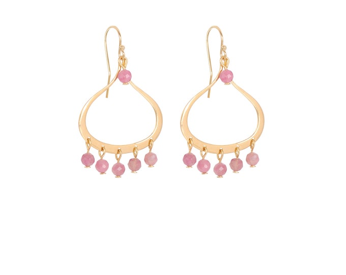 Dangling earrings with pink tassels gilded with fine gold