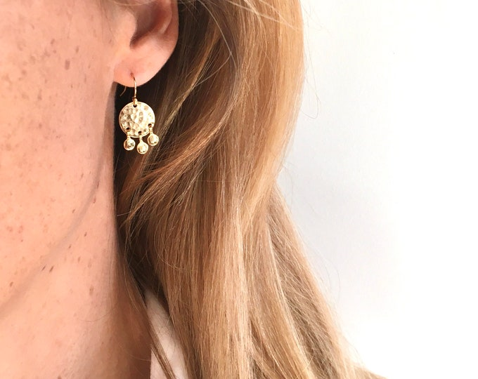 Mini round hammered sequins earrings - gilded with fine gold or silver - Bijoux Intuitu Paris