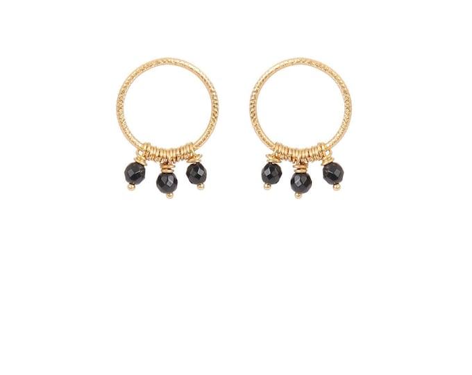 Hoop earrings engraved with 3 black agate earls