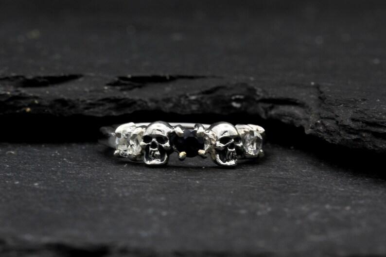 Women/'s Skull Ring Skull Wedding Ring
