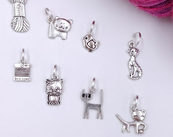 CHATS 8 rings markers to spot in your knitting, gift idea for knitter, kitten, knitting accessory, stitch markers