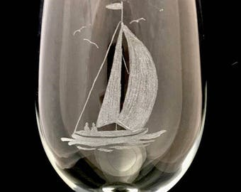 Yacht wine glass / yacht lover / yacht owner / sailing items / love to sail / yacht gift ideas / captin gift / sailing / engraved yacht