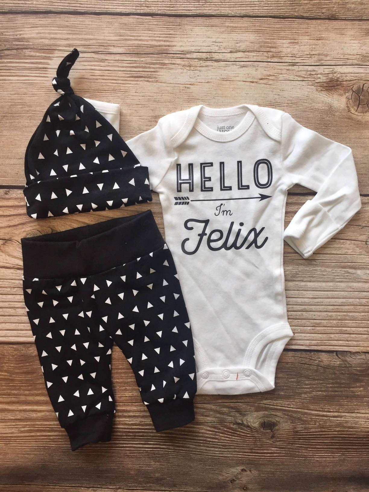 schwarz und wei dreieck neugeborenen jungen outfit nach hause etsy. Black Bedroom Furniture Sets. Home Design Ideas