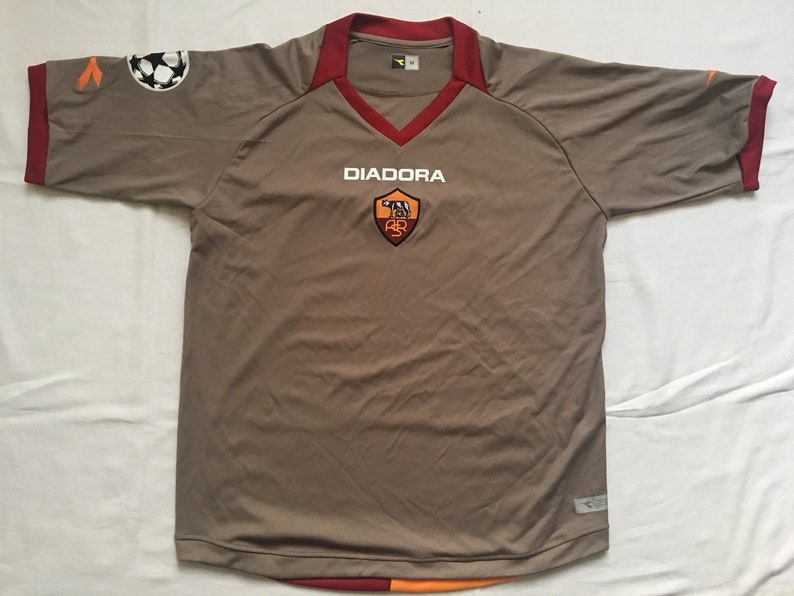hot sale online 9f656 285ff A.S. Roma jersey