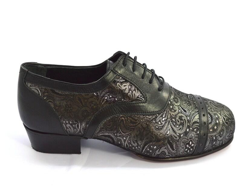 huge discount 1a6bd efedc Immagina di scarpe da tango M-175 uomini, nuovissimo moderno oxford,  modello di punta di cap, di morbida pelle nera e argento paisley