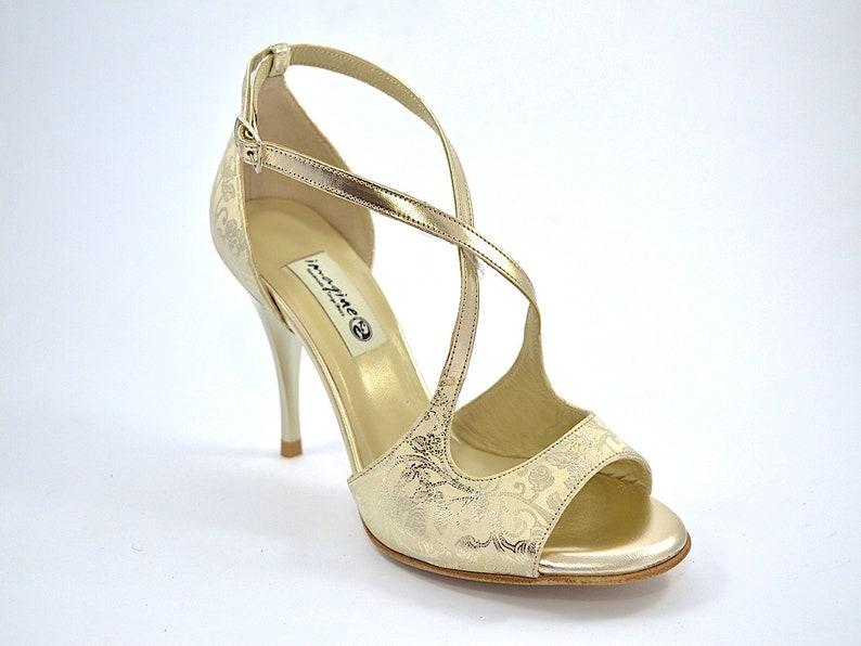 ebeb262054 Imagine F-759 scarpe da ballo tango donna, punta aperta in pelle oro e  pelle scamosciata beige con stampe paisley floreali dorate