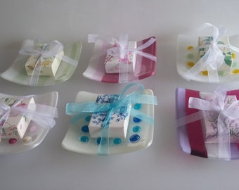 Different soap dish, small bowl, trinket dish with guest soap - various colours, spots and stripes