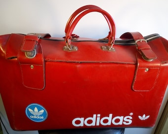 SALE    ADIDAS Real Hard Stiff Leather Bag Trefoil   Vintage 70s duffel bag c9edd134c859b