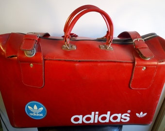 SALE    ADIDAS Real Hard Stiff Leather Bag Trefoil   Vintage 70s duffel bag 0ebe4c1bfa25e