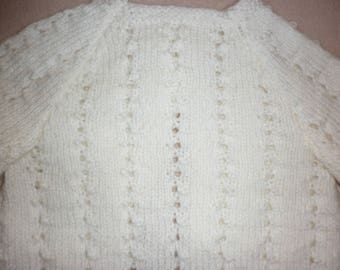 Natural bra with lace pattern