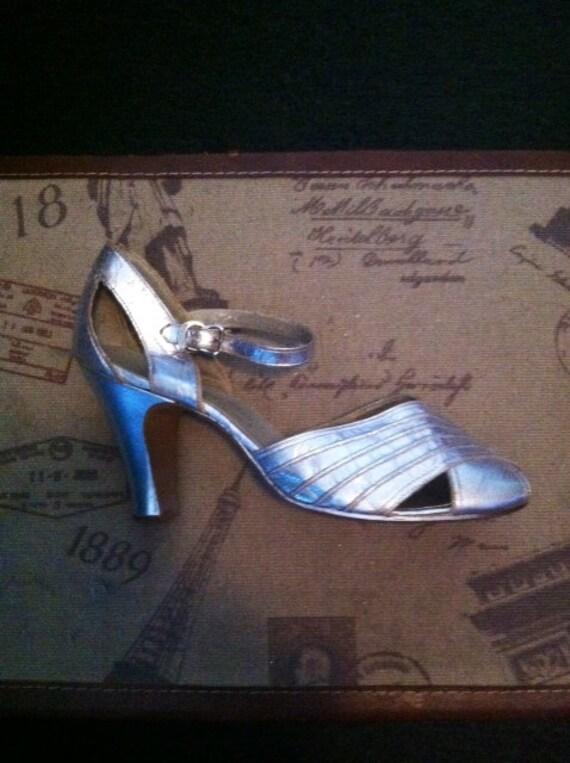 30's Silver Dress Heels