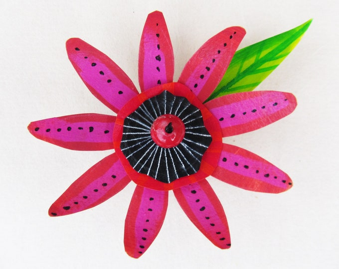 Funky Flower Magnet: Pink Passion Flower