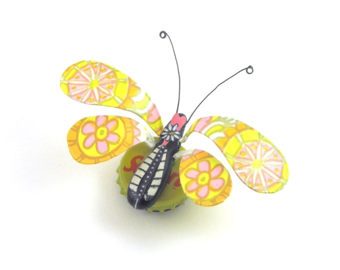 Coming Up Daisies Bug Bottle Cap Refrigerator Magnet