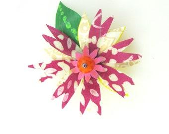 Funky Flower Magnet: Pointy Petal Flower