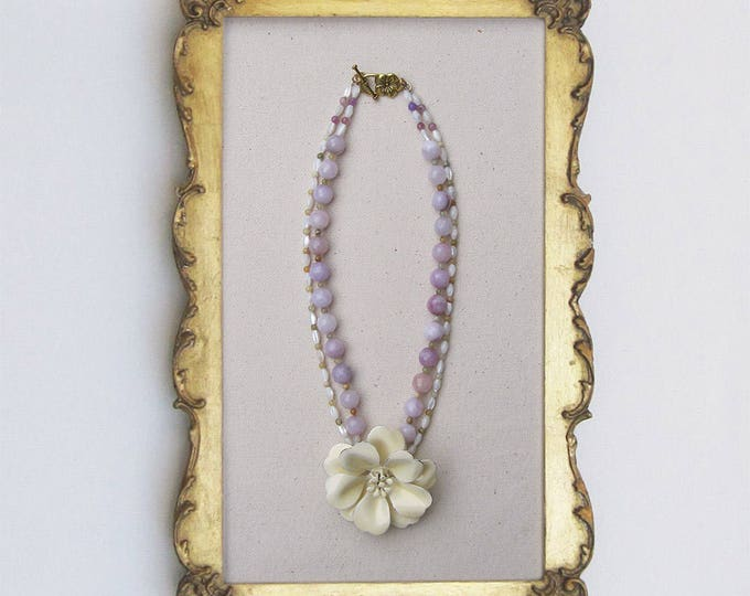 Honking Big Cream Bloom Necklace